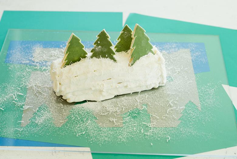 今年のクリスマスは手作りケーキでお祝いしよう!【雪降る聖夜のロールケーキ編】