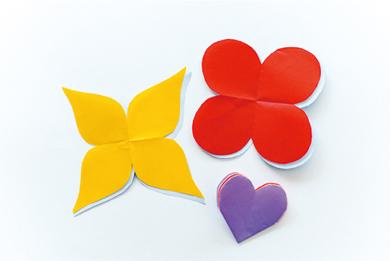 雨の日のお家遊び 折り紙でつくるお花のおもちゃ