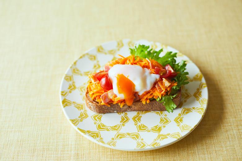キャロットソテーと卵のオープンサンド
